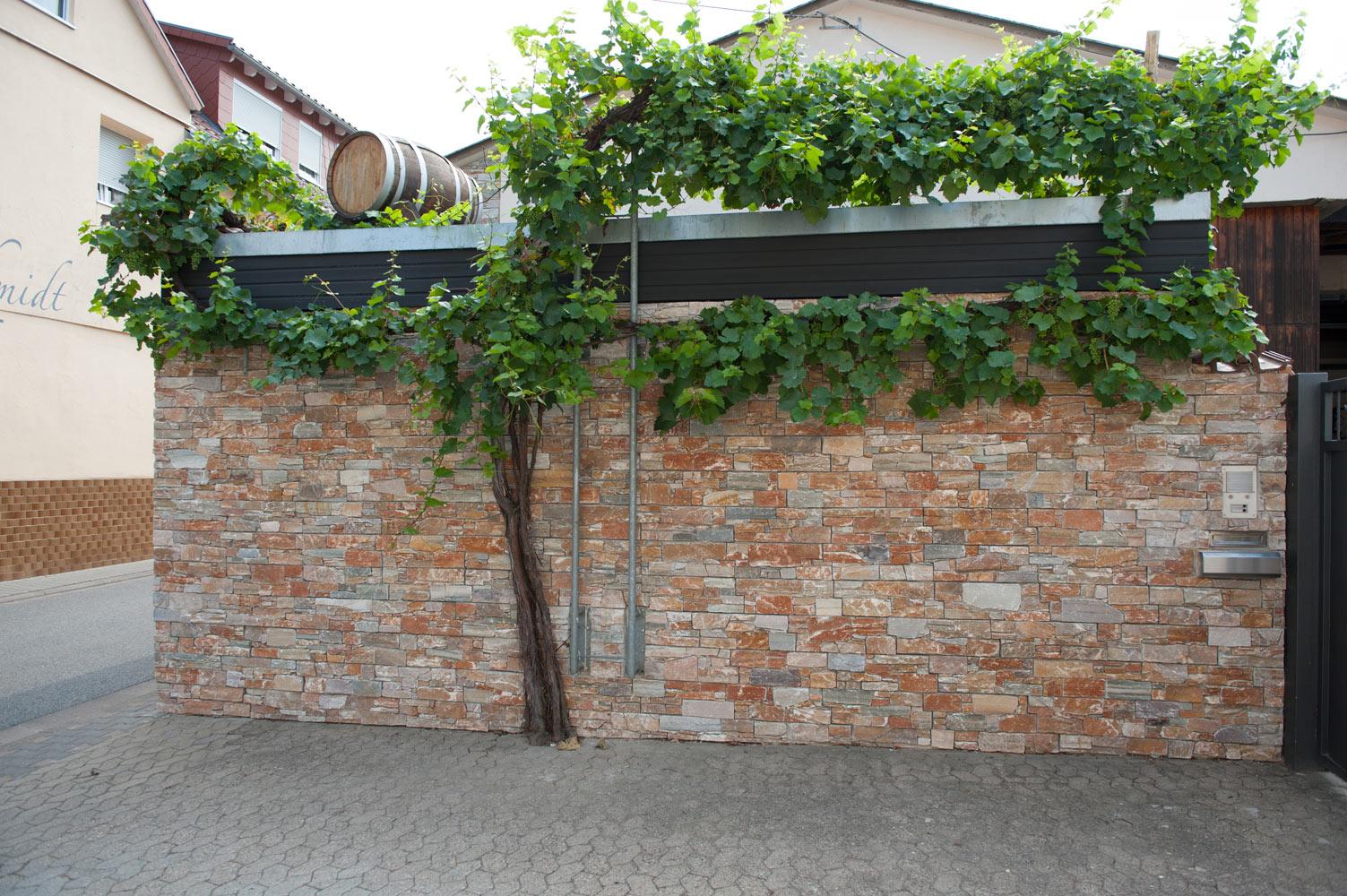 Mauerverblender – Schiefer im Garten